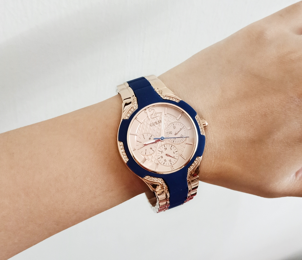 Guess U0556L5 Multifunction Sporty Rose Gold Blue Watch