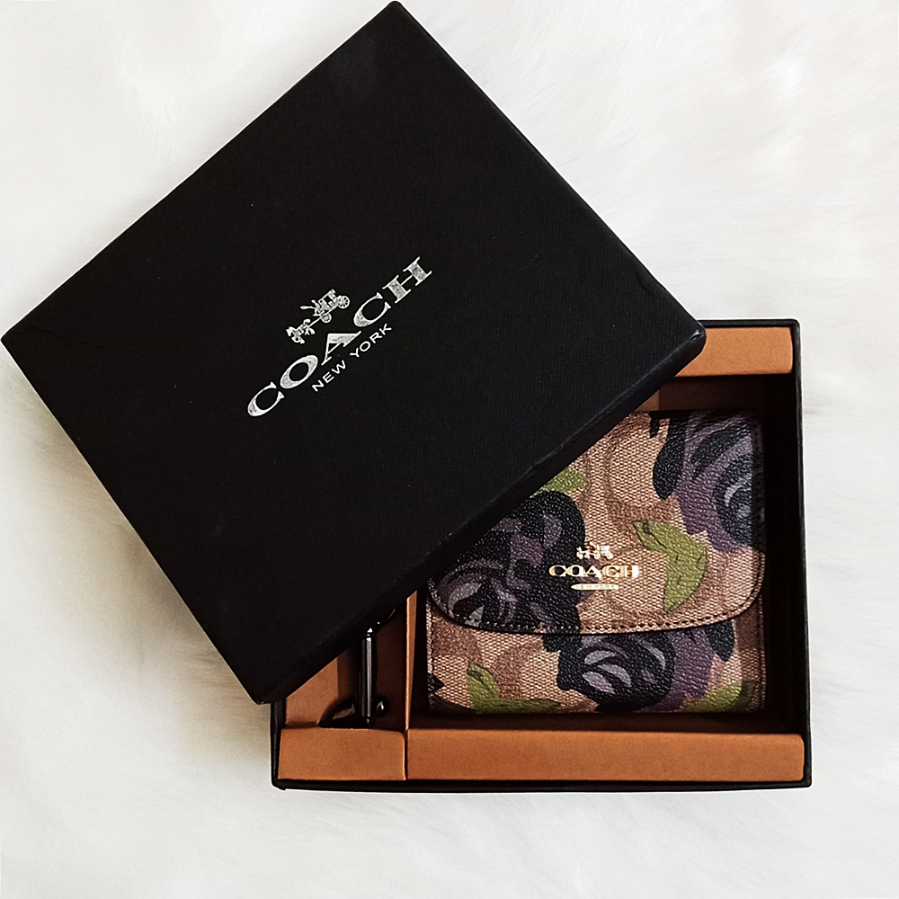 Coach F25930 Camo Rose Print Small Wallet Box Set Khaki Black