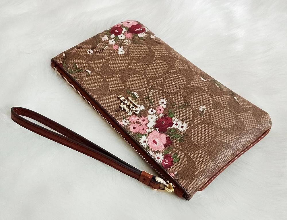 Coach F29369 Signature Floral Bundle Print Large Wristlet Khaki Multi