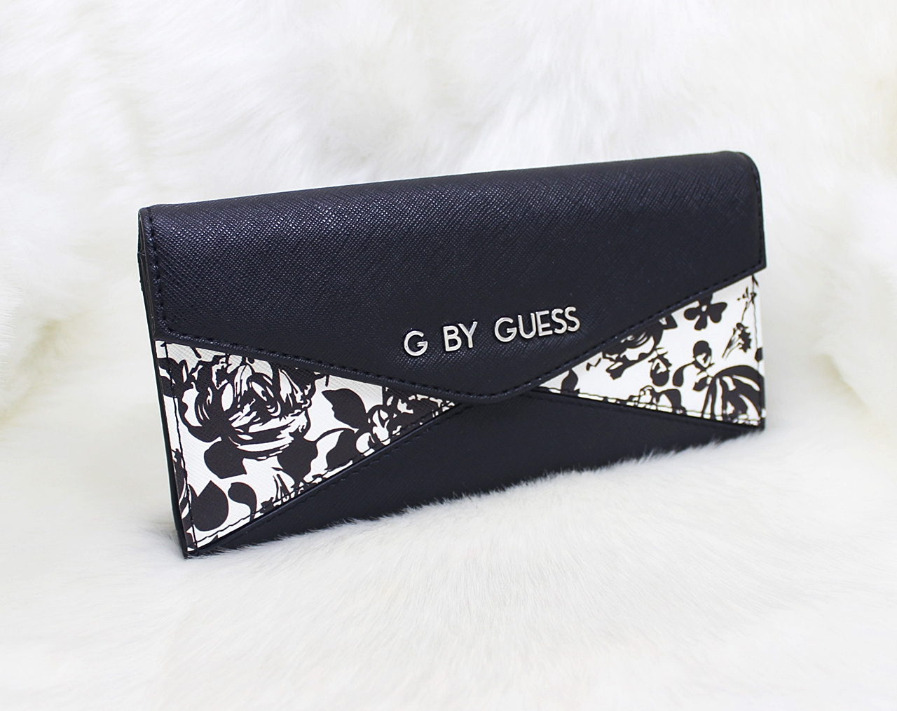 Guess Zaylee Flap Organizer Women Wallet Black Floral