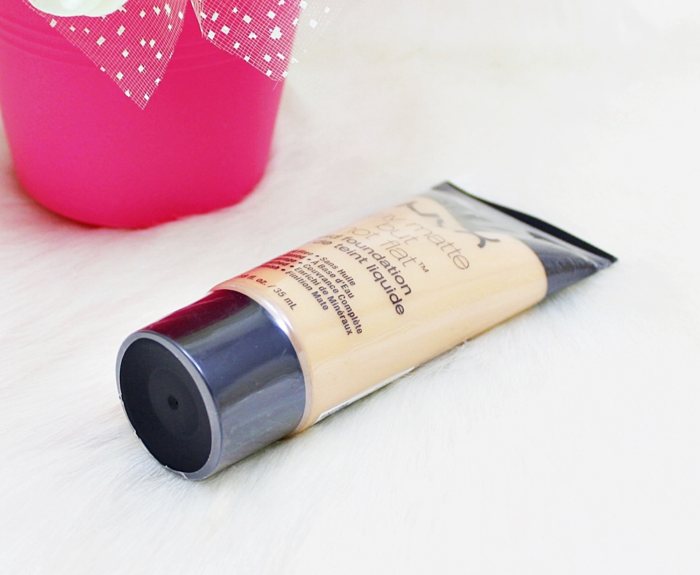 NYX Nude Stay Matte But Not Flat Liquid Foundation