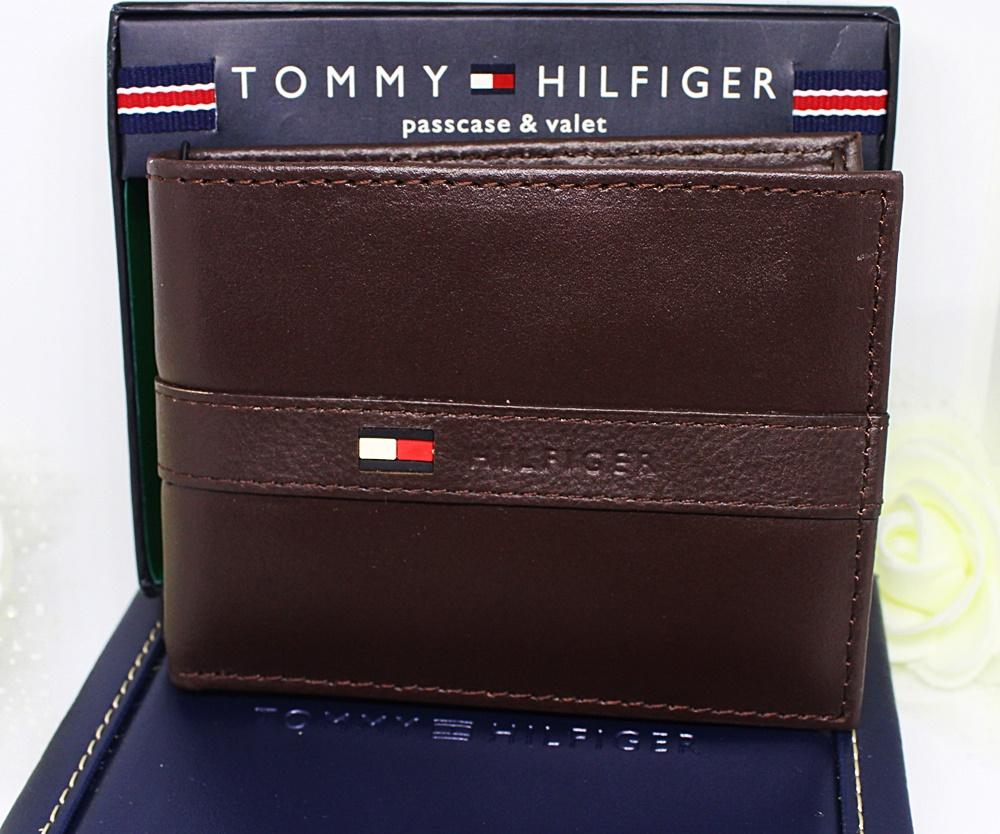 Tommy Hilfiger Men Ranger Passcase Wallet Dark Brown